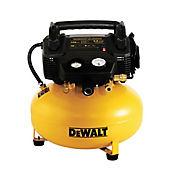 Compresor Con Accesorios 2 Hp 22.7 Litros 150 Psi 2.6 Cfm Pancake Ref D2002M-WK