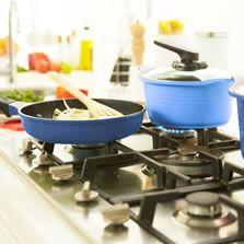 Mesones y lavaplatos para cocina