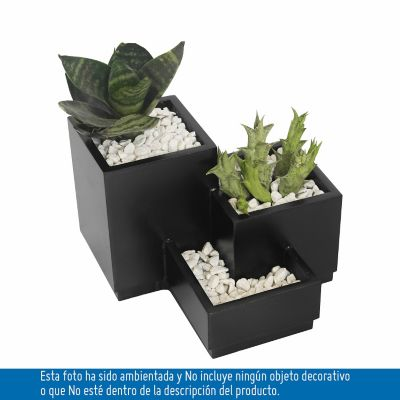 Producto elaborado en triplex fenolico 12 y 6mm recubierto internamente con greda igasol,para uso decorativo con gravas y plantas pequeñas, preferiblemente colocar planta con su matero plastico.
