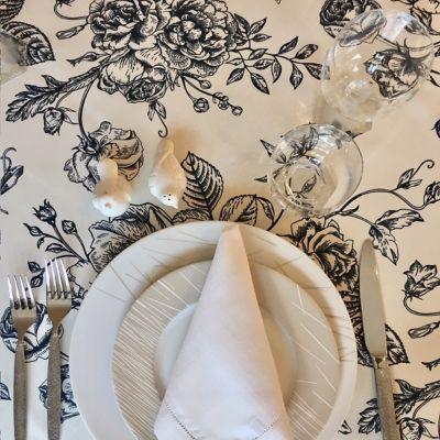 Mantel 146x210cm Negro Floral