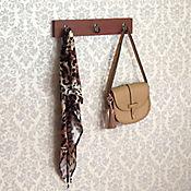 Perchero Pavonado Cedro 40 x 7 cm