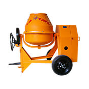 Mezcladora 1 Bulto Motor Disel Kumatzu 4.2Hp