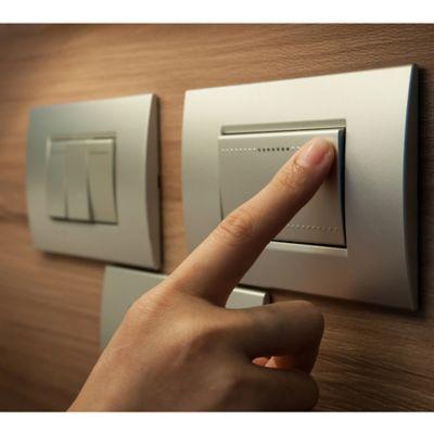 Interruptores y Tomacorrientes